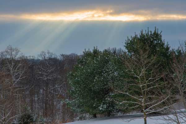 rayos-ultravioletas-atravesando-las-nubes